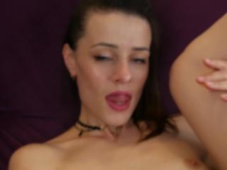 kemény pornó spriccel anya hármasban pornó