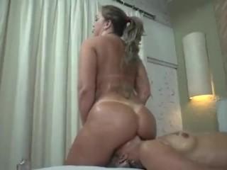 tini lányok maszturbál pornó