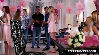 Anny Aurora και ο Alexis Crystal γιορτάζουν με Orgy